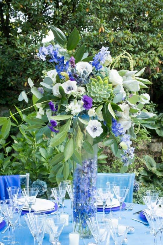 ترکیب گل های آبی و بنفش