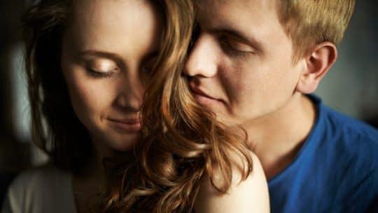 معمولا زنان در زمان تخمک گذاری افزایش غریزه جنسی رو تجربه میکنن