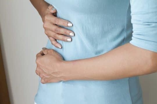 درد در ناحیه لگنی هم میتونه نشونه تخمک گذاری باشه