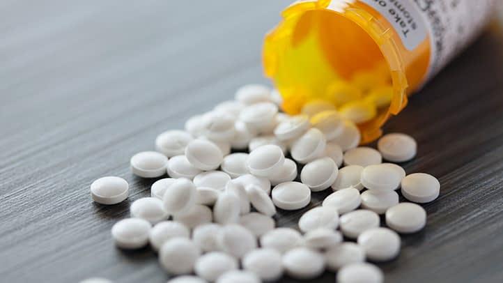 هیچ دارویی رو بدون مشورت پزشک نخورین
