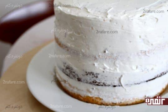 آستر کشی اولیه کیک و یکنواخت کردن سطح کیک