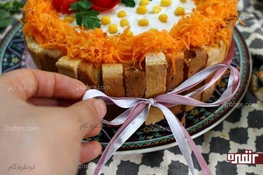 تزئین دور کیک با روبان