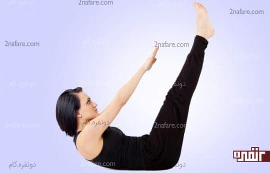 حرکت کششی بالاتنه و پاها به سمت هم