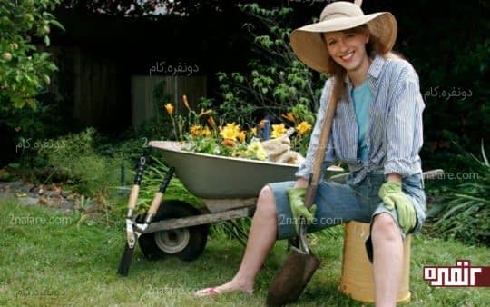 حس آرامش و راحتی با رسیدگی به گل و گیاه