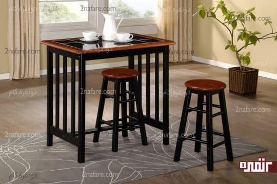 میز صبحانه خوری مدرن و چهارپایه های چوبی