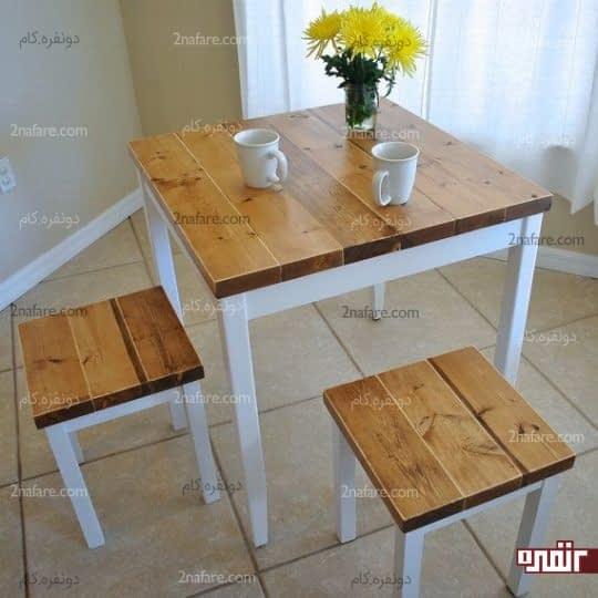 میز صبحانه خوری و چهارپایه های زیبا با چوب و فلز