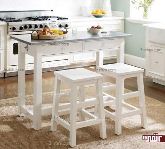 میز مستطیلی و چهارپایه های ساده