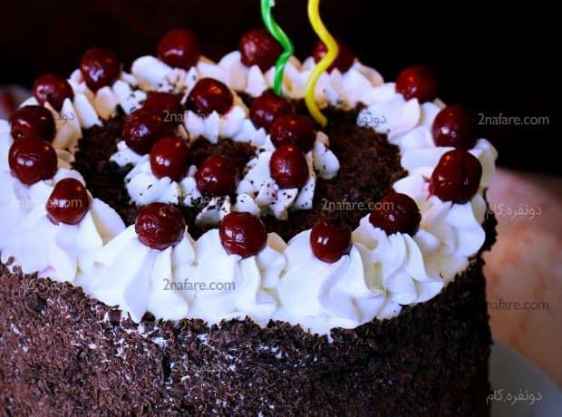 تزئین کیک تولد به سبک جنگل سیاه