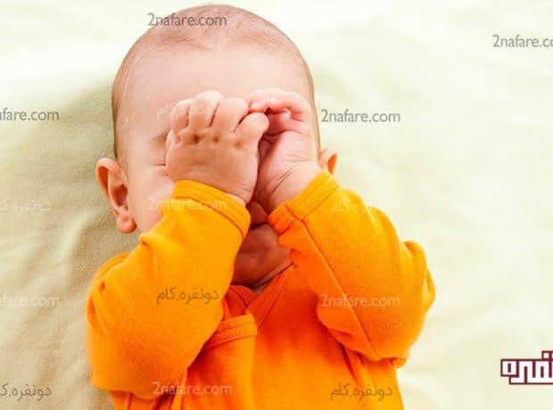 زبان نوزادان - چرا نوزادان چشم خود را می مالند