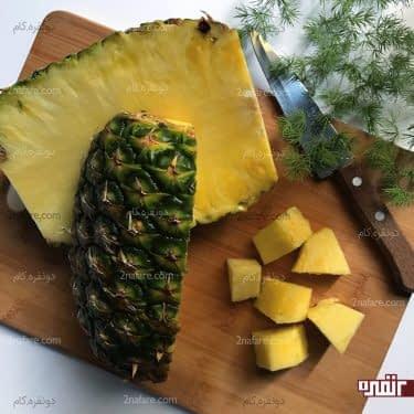 نحوه صحیح پوست کندن آناناس