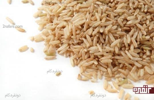 برنج قهوه ای سبوس دار و سرشار از ویتامین B