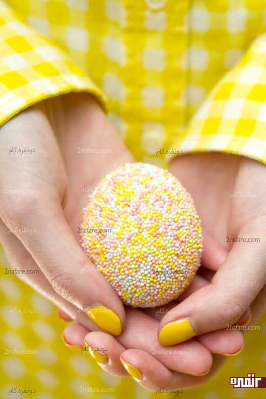 تزیین تخم مرغ با مهره های رنگی