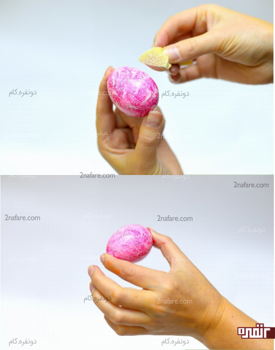 رنگ آمیزی روی تخم مرغ با طرح اسفنجی