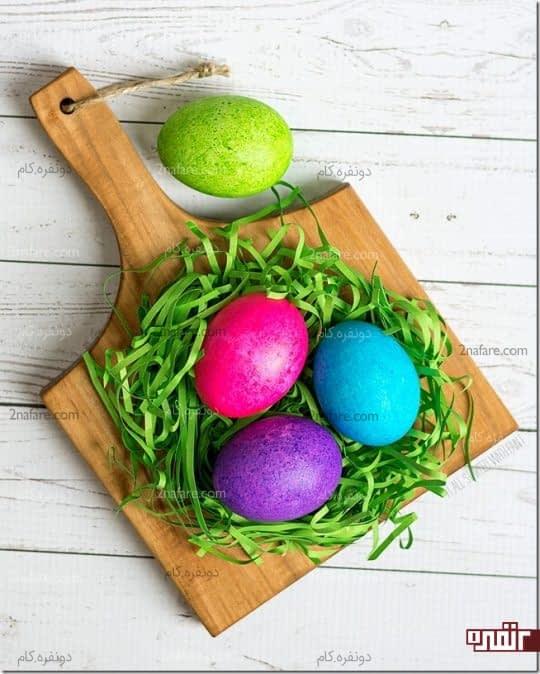 رنگ کردن تخم مرغ با دونه های برنج