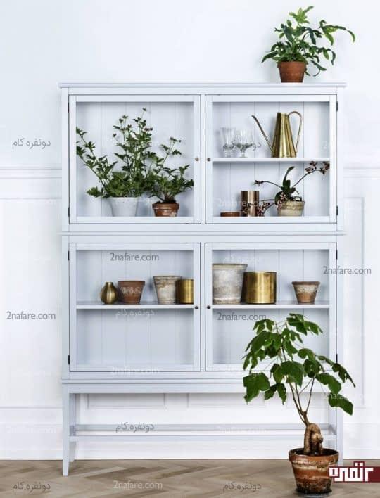 قفسه ای زیبا برای قرار دادن گلدان ها و عناصر دکوراتیو
