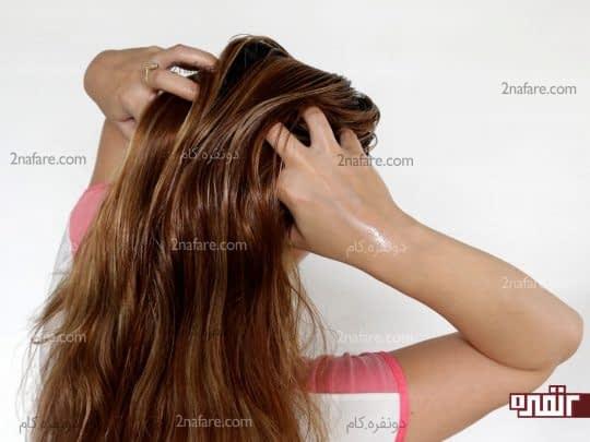 ماساژ مو و پوست سر با روغن های مخصوص