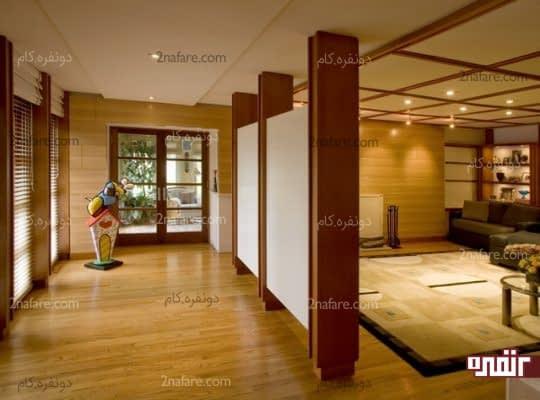 پارتیشنهای چوبی برای جداسازی قسمت ورودی از سایر فضاها