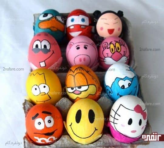 کشیدن طرح های کارتونی روی تخم مرغ ها