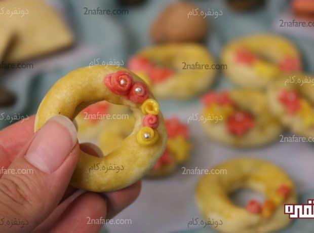 شیرینی خرمایی با گلهای مینیاتوری