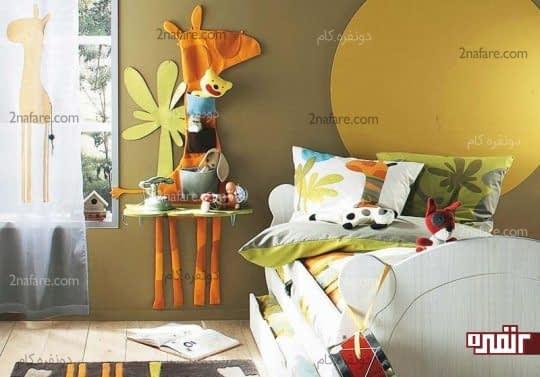 رنگ خاکستری دیوار اتاق کودک و تزیینات شاد روی دیوار
