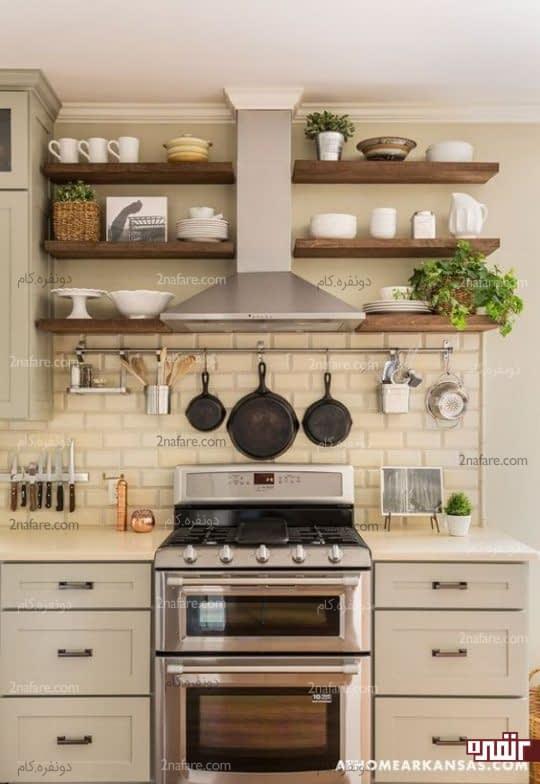 شلف ها و قفسه بندی باز در آشپزخانه
