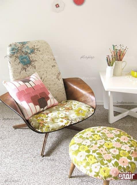 صندلی راحتی و پاف با طرح گل