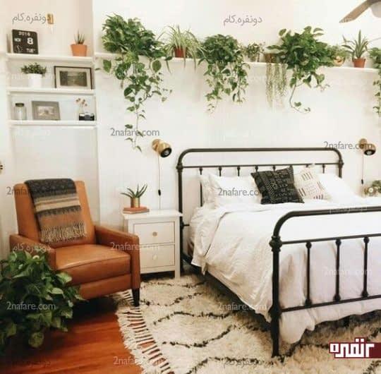 گل های سبز برای تزیین دیوار اتاق خواب در فصل بهار