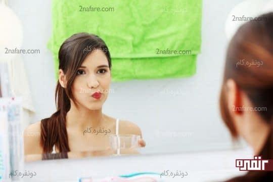 شستن دهان با محلول آب نمک