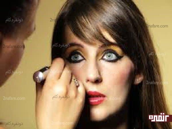 نباید به صورت روزانه صورت خودتون رو آرایش غلیظ کنین