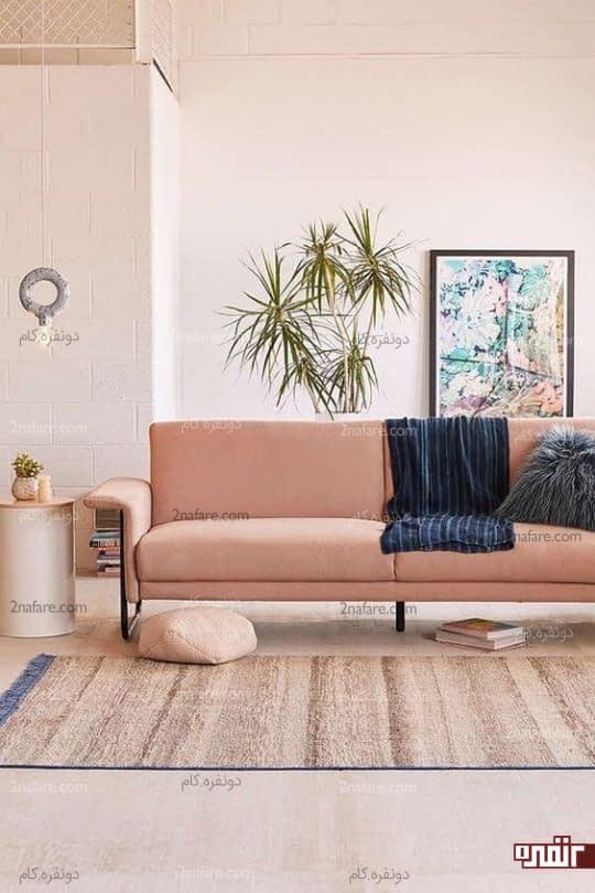 اتاق نشیمن با رنگهای گرم و دکور تابستانه