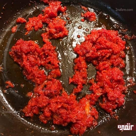 سرخ شدن رب گوجه