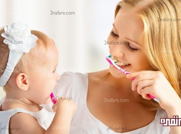 مسواک زدن دندان کودک