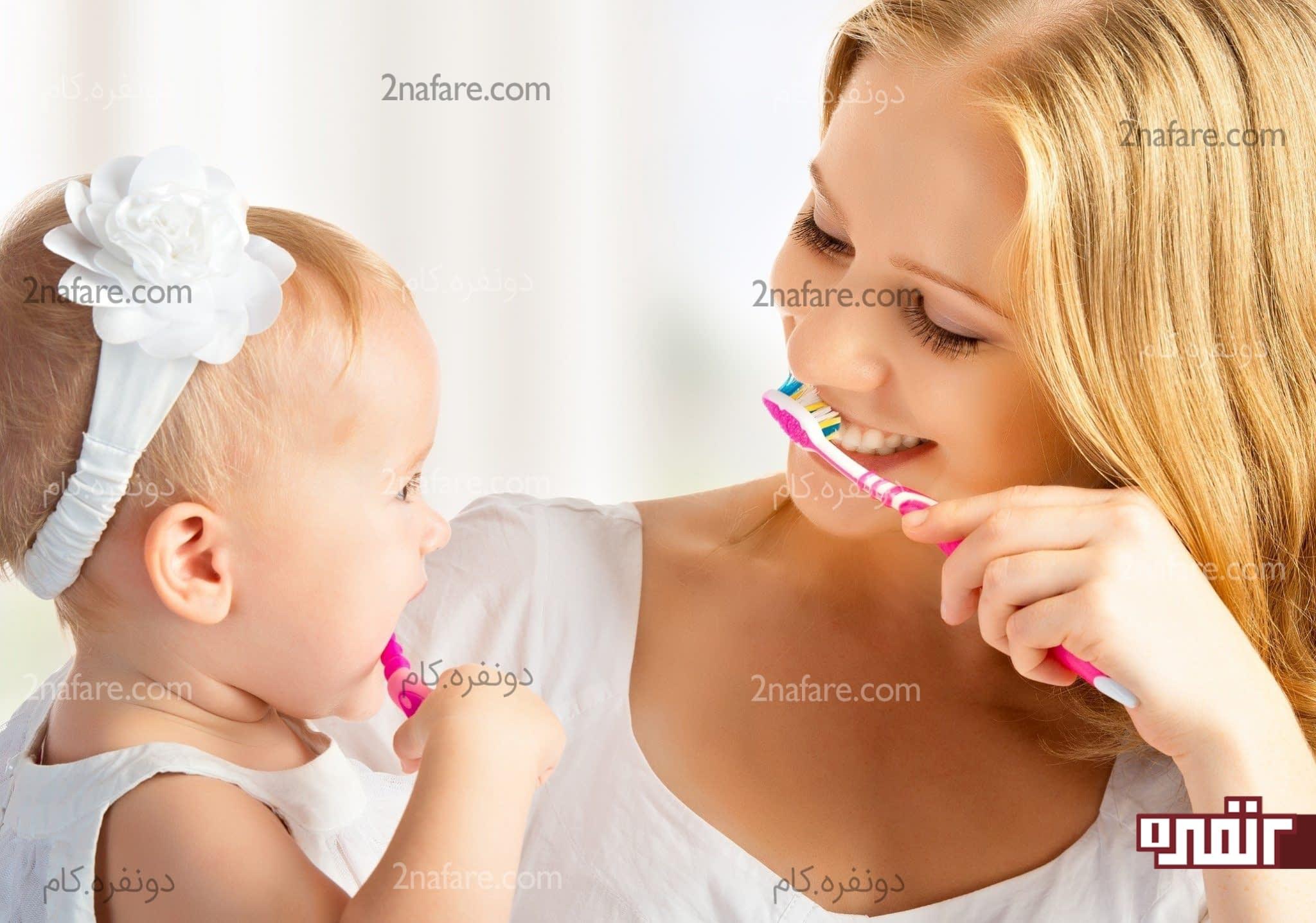 از چه زمانی باید دندان های کودک رو مسواک بزنیم؟