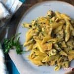طرز تهیه پاستا آلفردو با مرغ و قارچ مرحله به مرحله