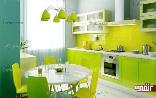 آشپزخونه دو رنگ با مبلمان سبز