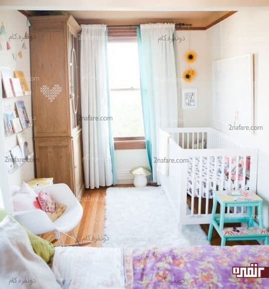 اتاق خوابی زیبا برای استفاده ی والدین و نوزاد