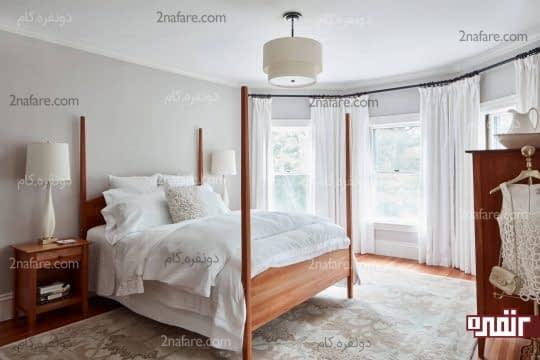 اتاق خواب با ترکیب خاکستری، سفید و مبلمان قهوه ای