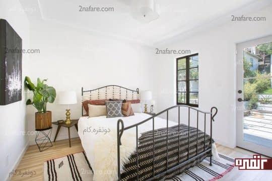 اتاق خواب با ترکیب سفید و مبلمان و اکسسوری های مشکی