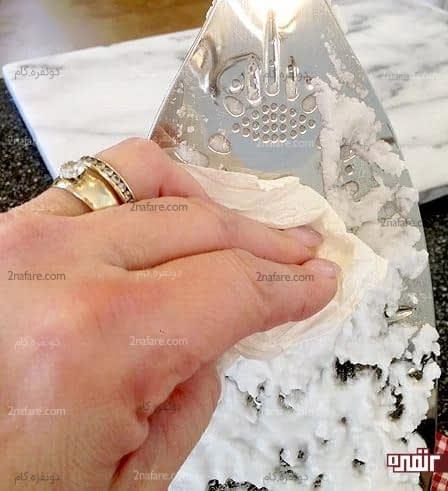 تمیز کردن اتو با جوش شیرین و آب اکسیژنه