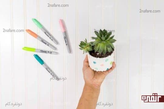 طراحی روی گلدان با ماژیک