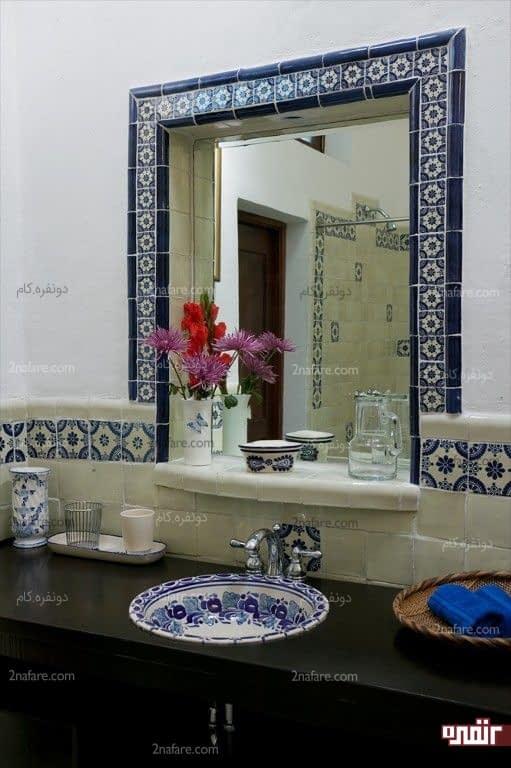 طراحی قاب آینه و روشویی با رنگ و طرح سنتی
