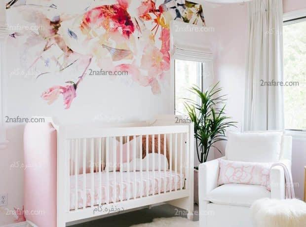 کاغذ دیواری با طرح گل در اتاق کودک