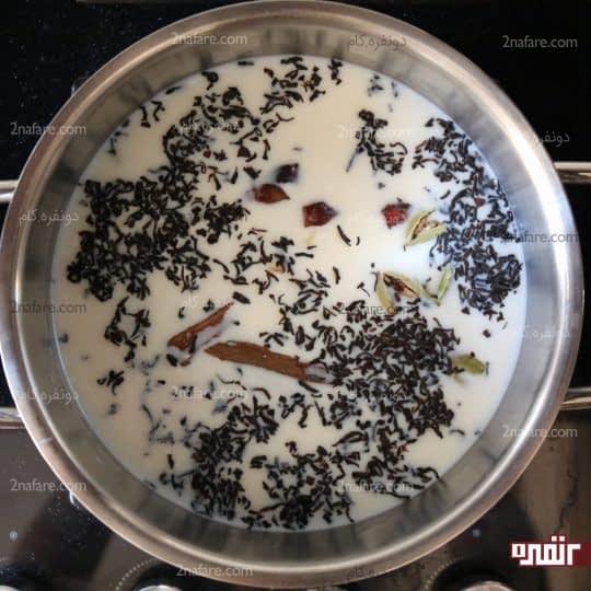 گذاشتن شیرچایی روی حرارت