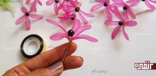 گذاشتن گل ها روی ساقه مسوار