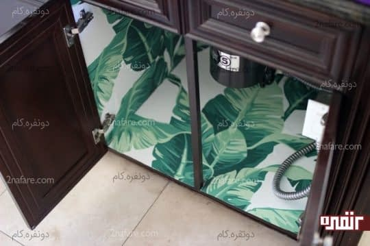 چسباندن کاغذ به دیواره های داخلی