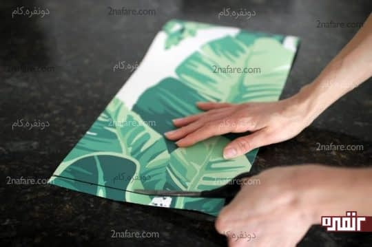 برش کاغذ متناسب با ابعاد اندازه گیری شده