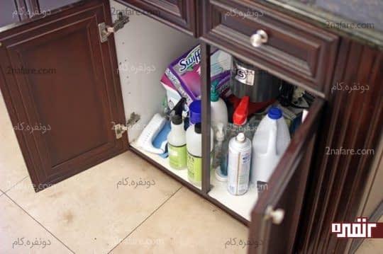 مرتب کردن کابینت زیر سینک آشپزخانه