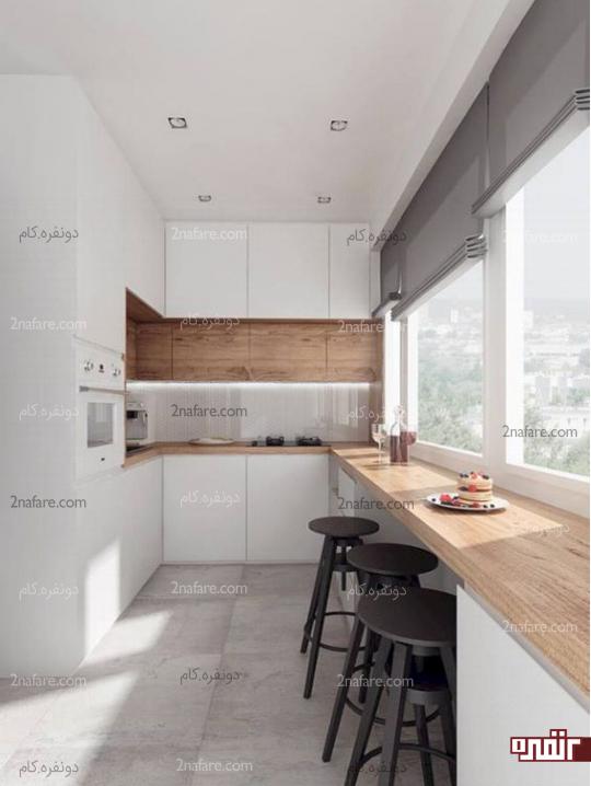 آشپزخانه کوچک و مینیمال با طراحی صبحانه خوری روی لبه پنجره