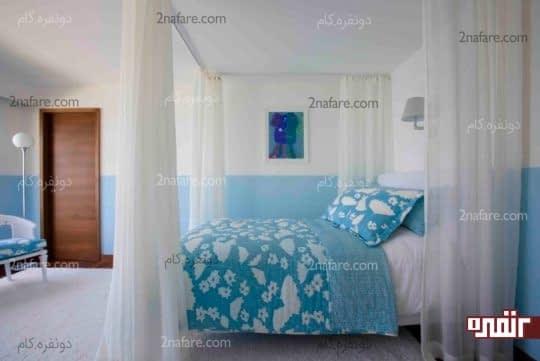 اتاقی به سبک ساحلی با رنگ های آبی و سفید