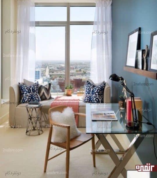 اتاق مهمان با مبل شیک برای خواب و میز کار شیشه ای